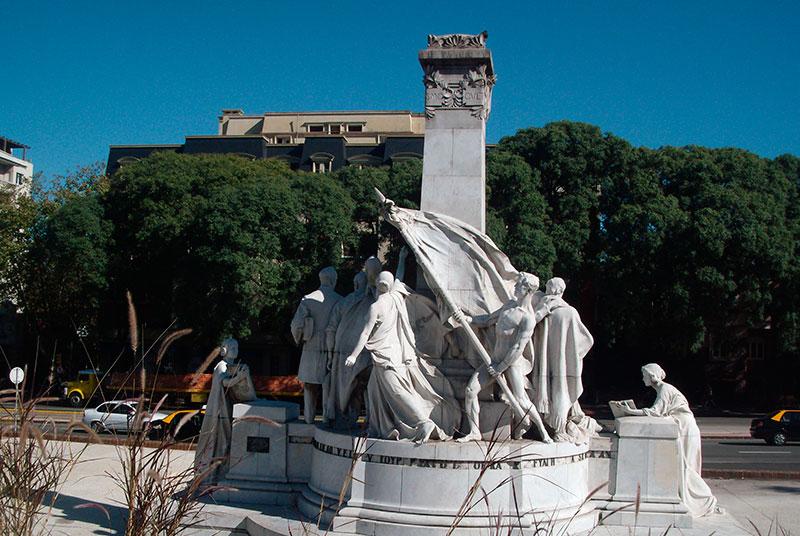 monumento-a-jose-pedro-varela