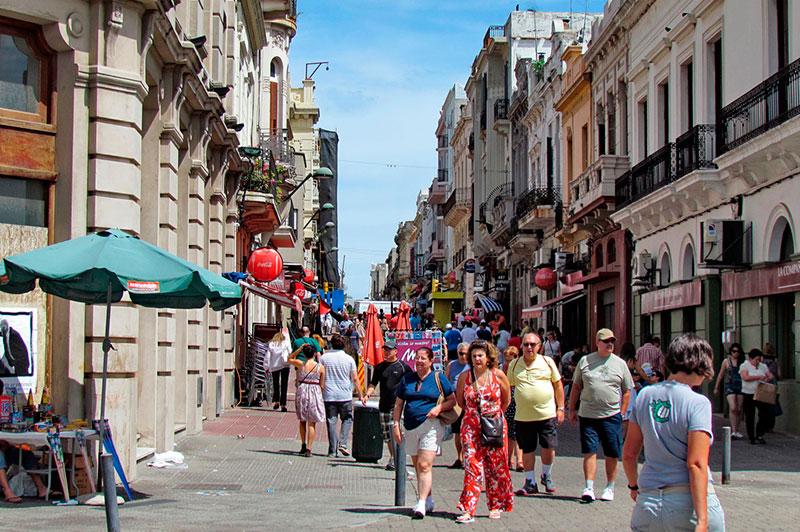 Urugvaj - Page 4 7-lugares-de-la-ciudad-vieja-de-montevideo-que-debes-conocer