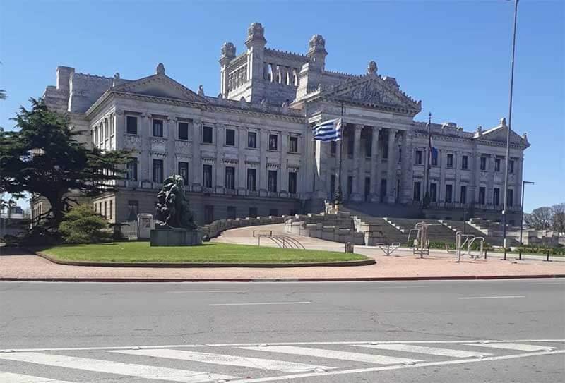 palacio-legislativo-fachada